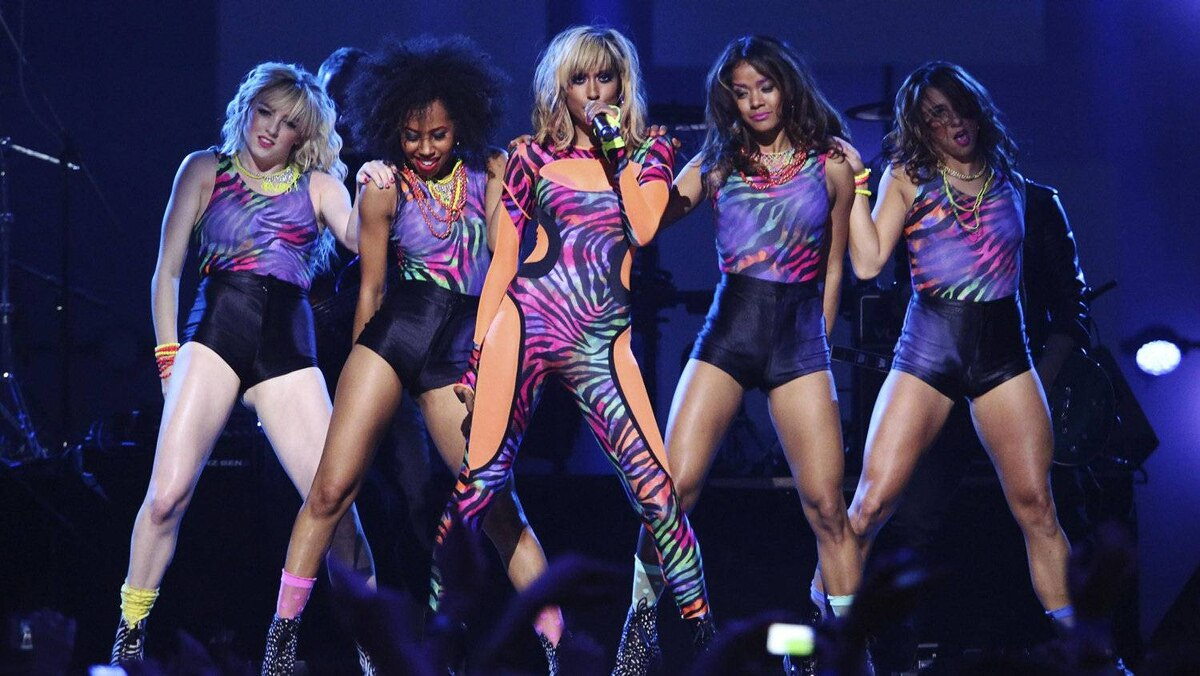 Recording artist Anjulie performs during the 41st Juno Awards in Ottawa April 1, 2012.