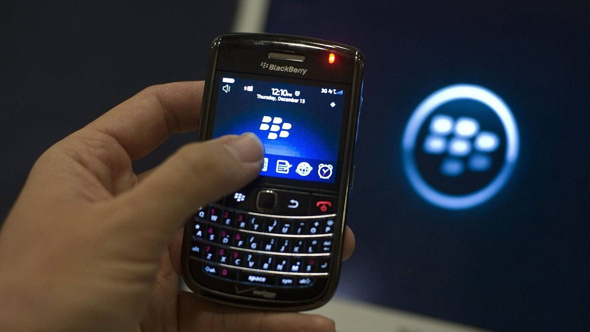 A BlackBerry handset. Unionized VW workers in Germany who use company BlackBerrys will have their e-mail shut down after their shifts in an effort to reduce employee burnout.