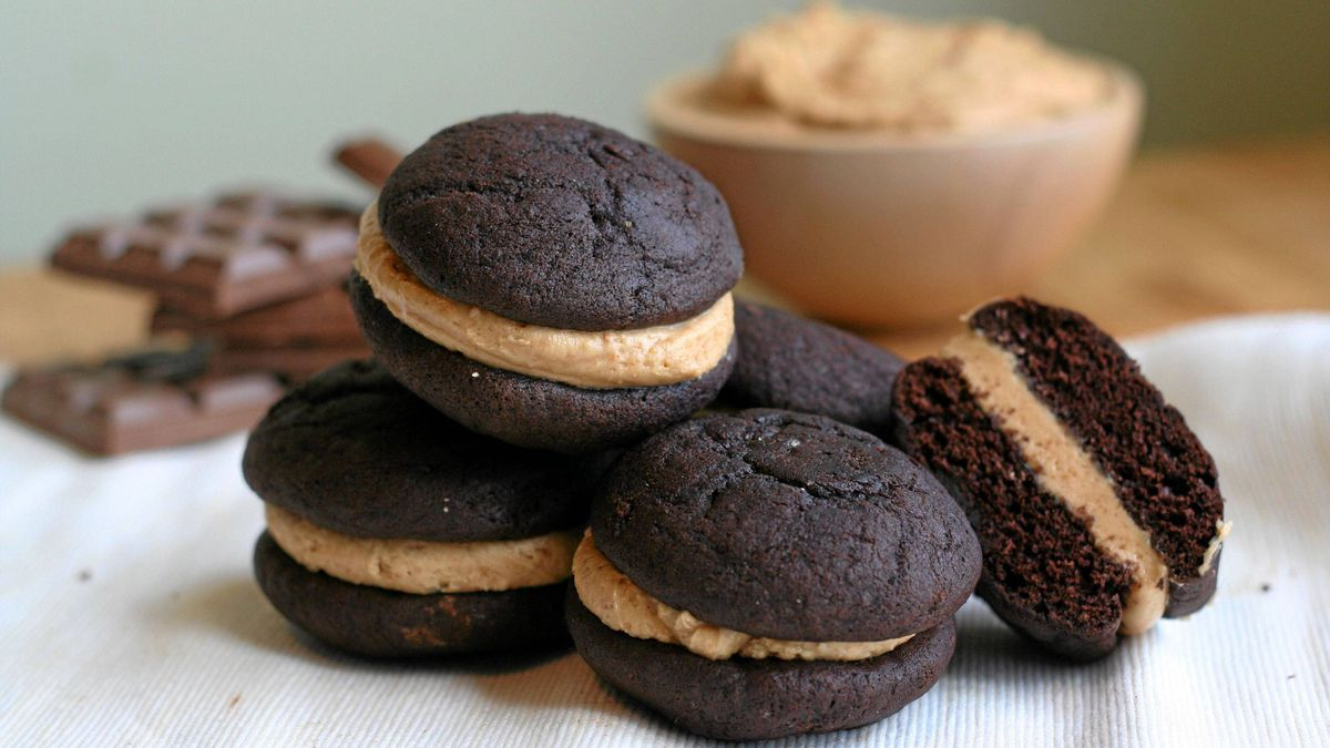 Chocolate peanut butter whoopie pie