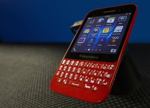 Two BlackBerry executives exit company