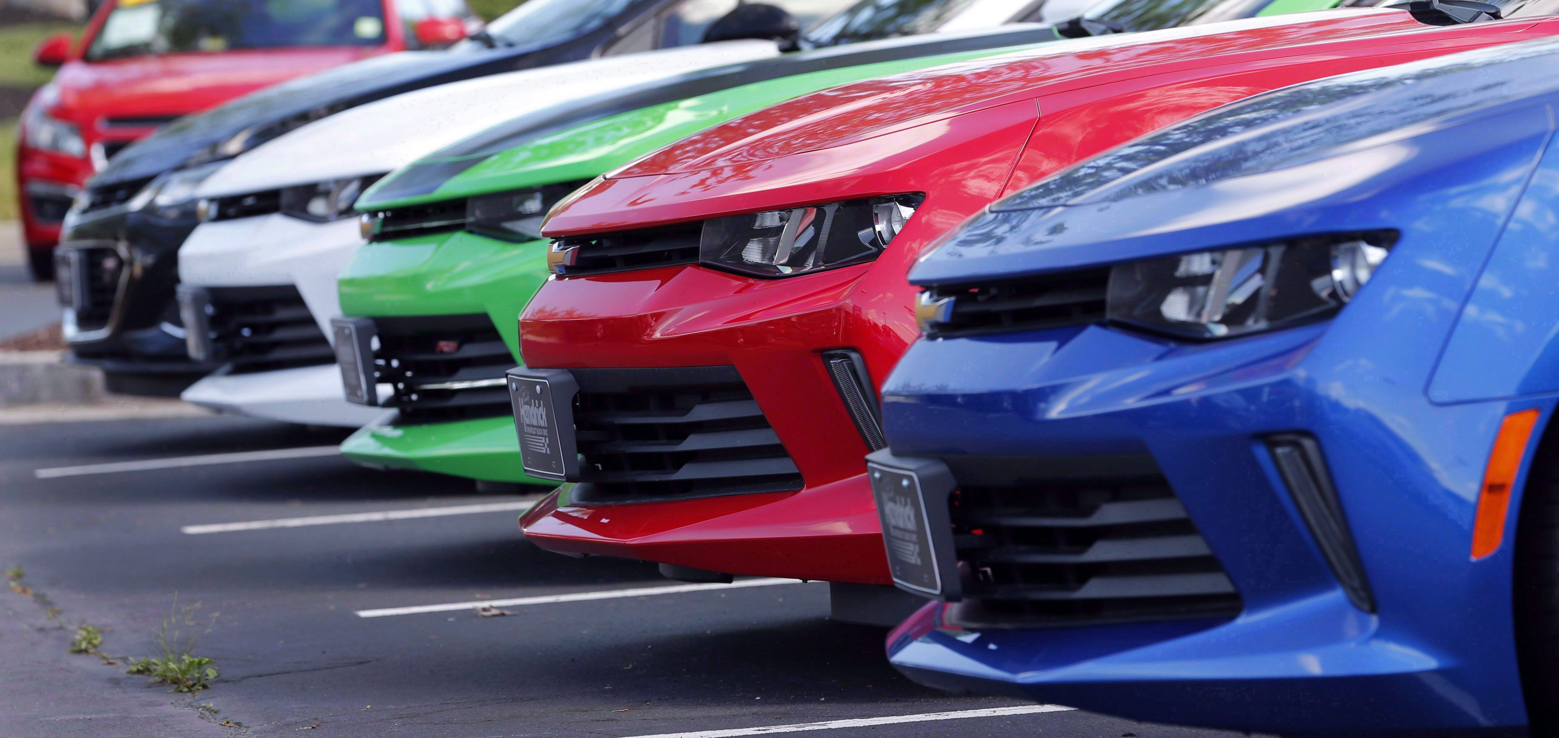 Surge In Online Data Turning Used Vehicle Sales Into A Buyer S