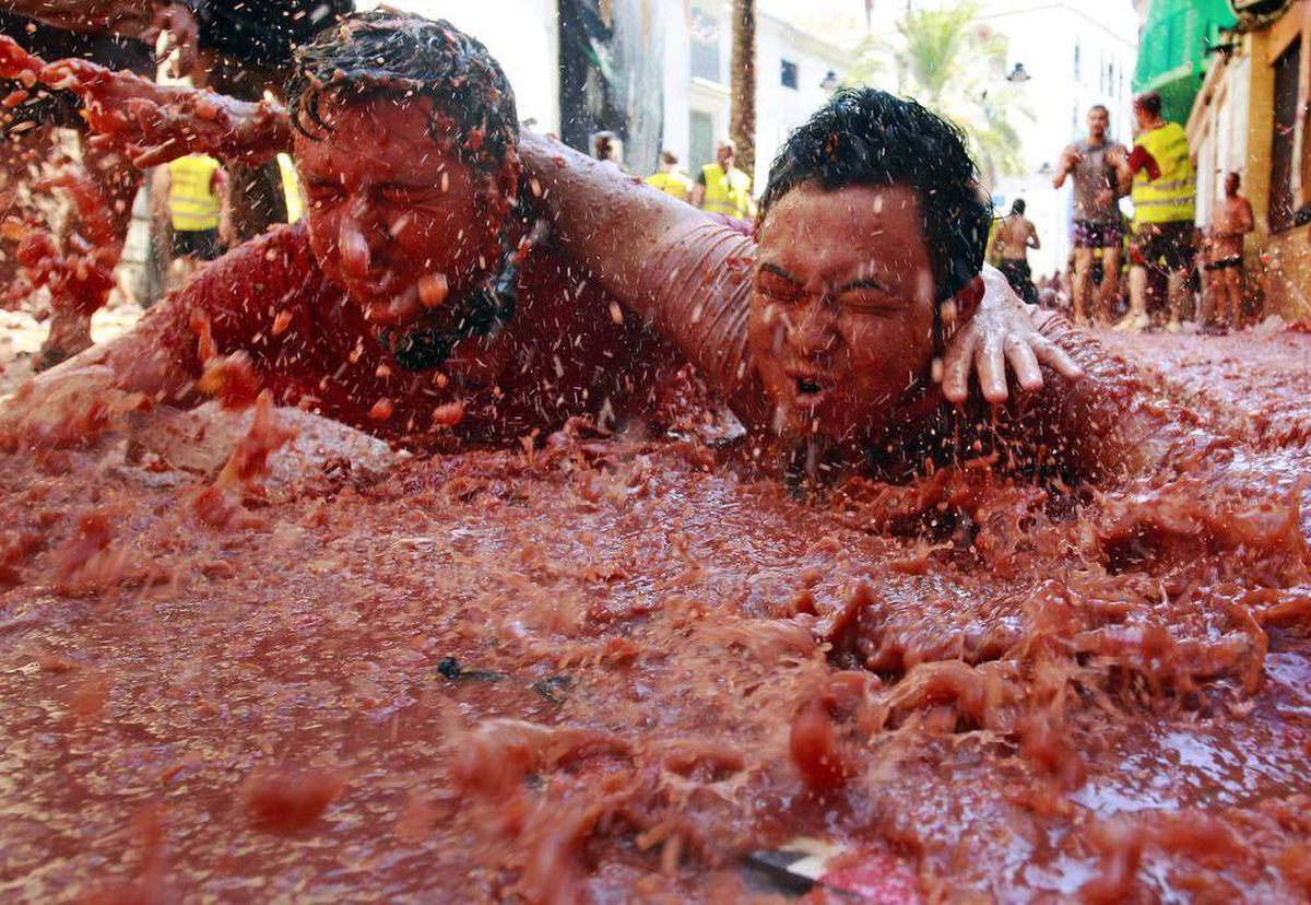 Food Fight It 39 S Slime Time At Spanish Tomato Festival The Globe And Mail