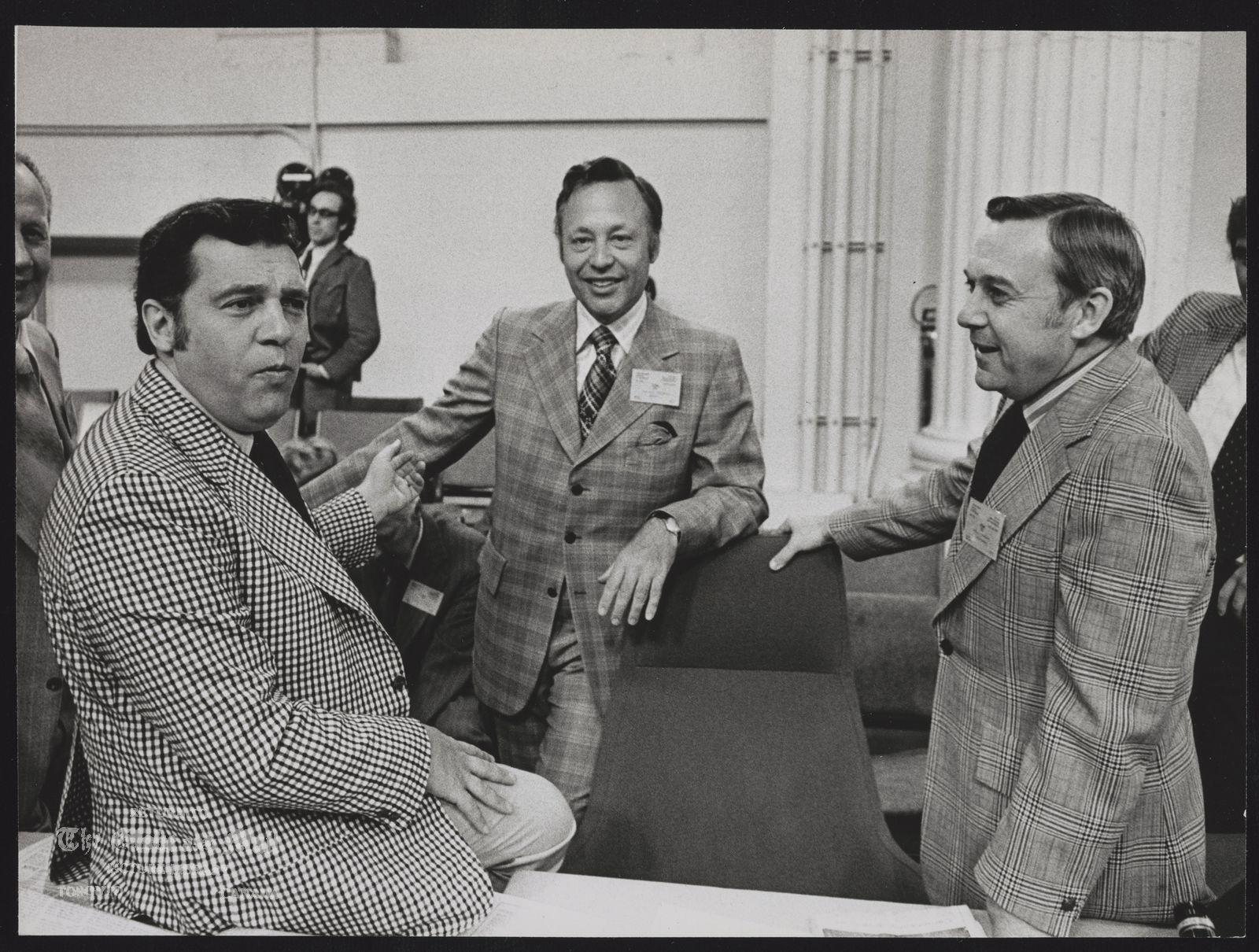 FEDERAL PROVINCIAL PRIME MINISTER CONFERENCES (Premier David Barrett, B.C. (left); Hon. J.A. Richardson, B.C.,; and Premier Allan Blakeney, Sask. during federal provincial conference in Ottawa. )