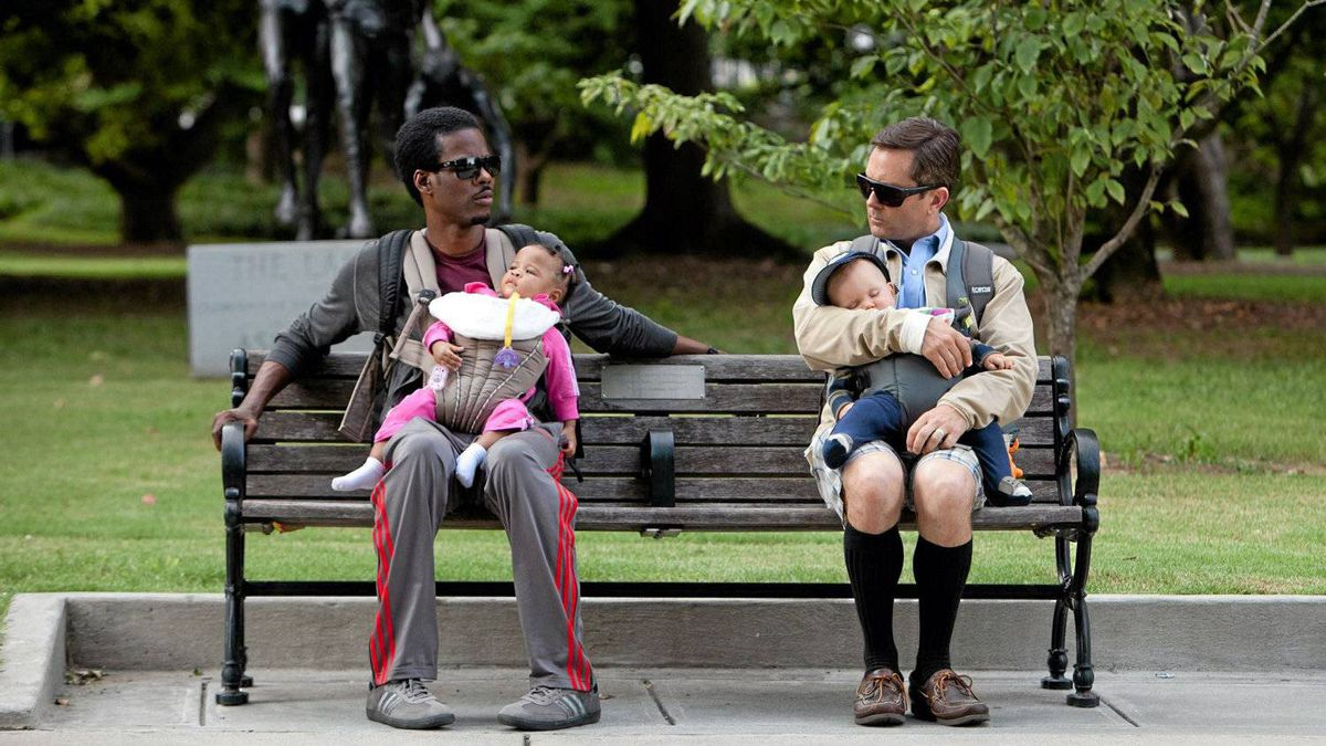 Vic (Chris Rock), left and Craig (Tom Lennon) in WHAT TO EXPECT WHEN YOU'RE EXPECTING.