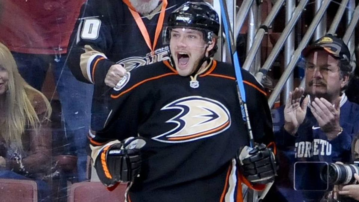 Anaheim Ducks left wing Bobby Ryan celebrates his goal during the first period of an NHL hockey game against the Chicago Blackhawks, Friday, Nov. 25, 2011, in Anaheim, Calif.