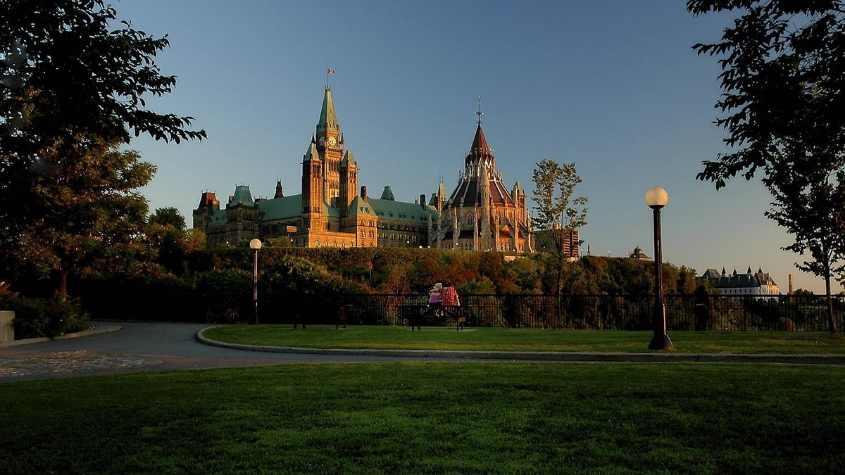 Tony R. Wagstaff photo: Parliament Buildings, Ottawa - Magnificent architecture at sunset.