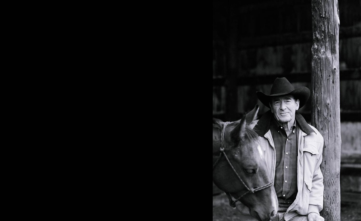 Lee Gunderson sent us this photo of Ian Tyson at his home ranch, Longview, Alta., with his favorite ranch horse