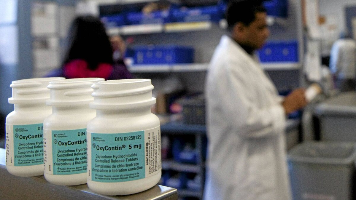 Prescription painkiller OxyContin, which will be delisted from Ontario's drug benefit program, at the in-patient pharmacy at Sunnybrook Health Sciences Centre in Toronto on Monday, Feb. 20, 2012.