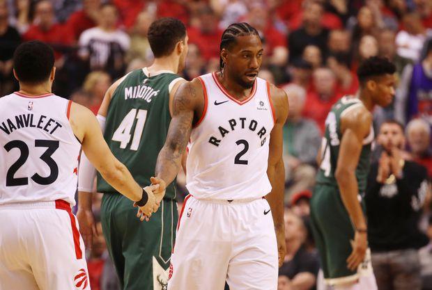 big sale 41d4d a4645 Toronto Raptors star Kawhi Leonard earns all-defensive team ...