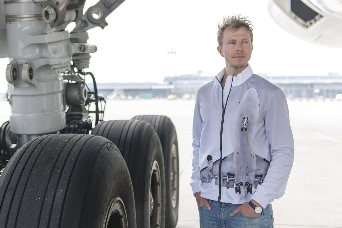 Very Plane Clothes
