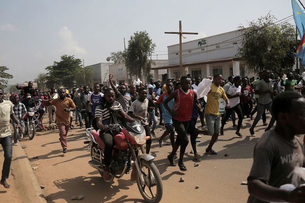 Congolese Ebola patients flee treatment centre after protesters attack