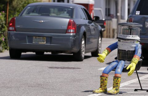 Canadian-made hitchhiking robot meets its end in Philadelphia