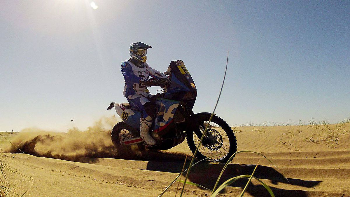 Spain's Jordi Viladoms rides his KTM during the first stage from Mar Del Plata to Santa Rosa de la Pampa in the fourth South American edition of the Dakar Rallyin Santa Rosa de la Pampa, January 1, 2012.