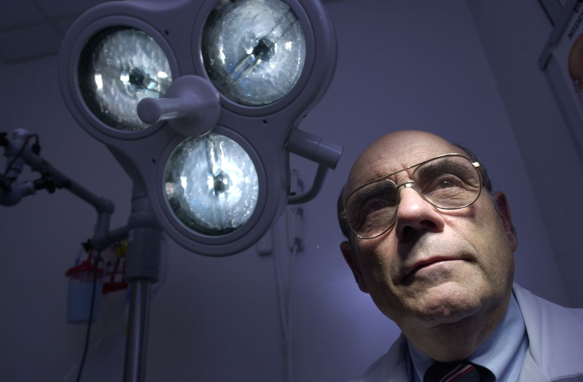 Doctor used his métier to promote Mideast peace - The Globe