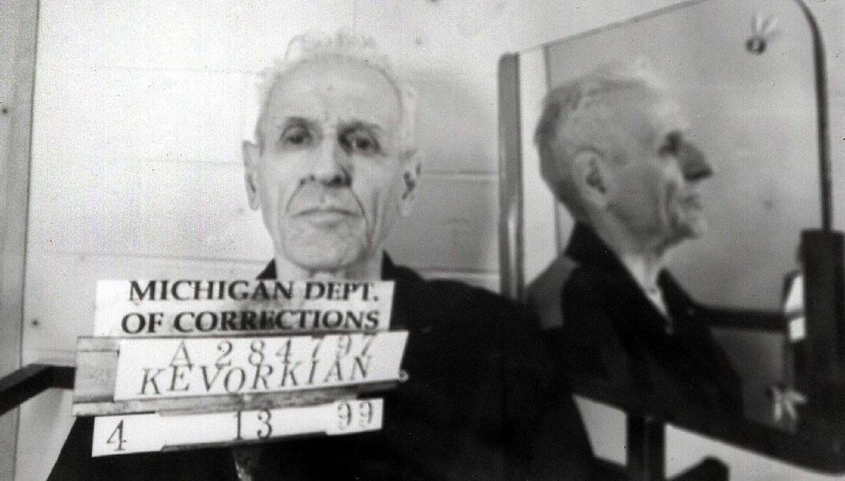 Handout photo taken 23 April 1999 and released 27 April 1999, shows Dr. Jack Kevorkian in Jackson State Prison in Michigan. Kevorkian was convicted last month of second-degree murder and sentenced to 10-25 years in jail for injecting Thomas Youk, a 52-year-old terminally-ill patient suffering from Lou Gehrig's disease, with lethal drugs. AFP PHOTO