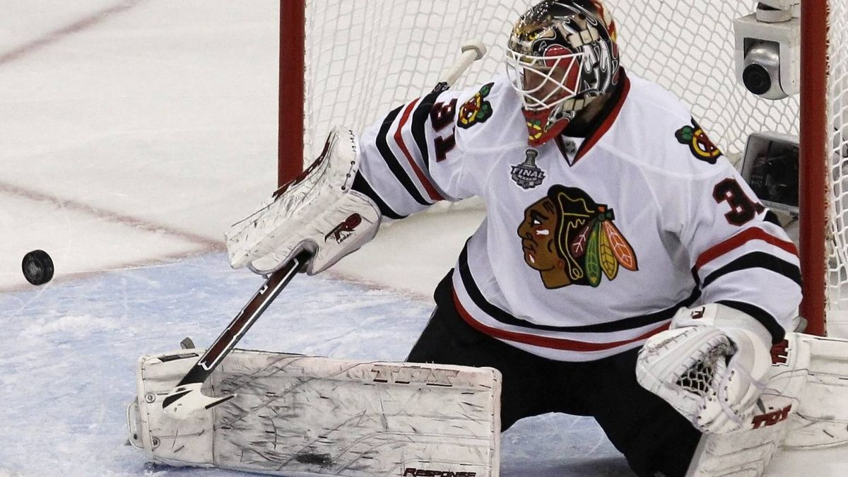 Chicago Blackhawks goalie Antti Niemi, of Finland, blocks a shot by the Philadelphia Flyers in the second period of Game 6 of the NHL Stanley Cup hockey finals Wednesday, June 9, 2010, in Philadelphia. (AP Photo/Kathy Willens)