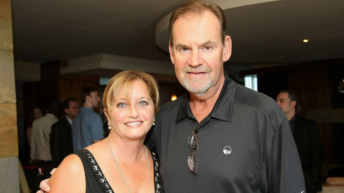 Former NHL coach Pat Burns (R) poses with his wife Lynne Burns during the NHL Presenters Welcome Reception at the Palms Casino Resort on June 17, 2009 in Las Vegas, Nevada. Pat Burns, who was the head coach for the Montreal Canadiens, Toronto Maple Leafs, Boston Bruins and New Jersey Devils, and led the Devils to a Stanley Cup championship in 2003, died from cancer on November 19, 2010 at the age of 58.