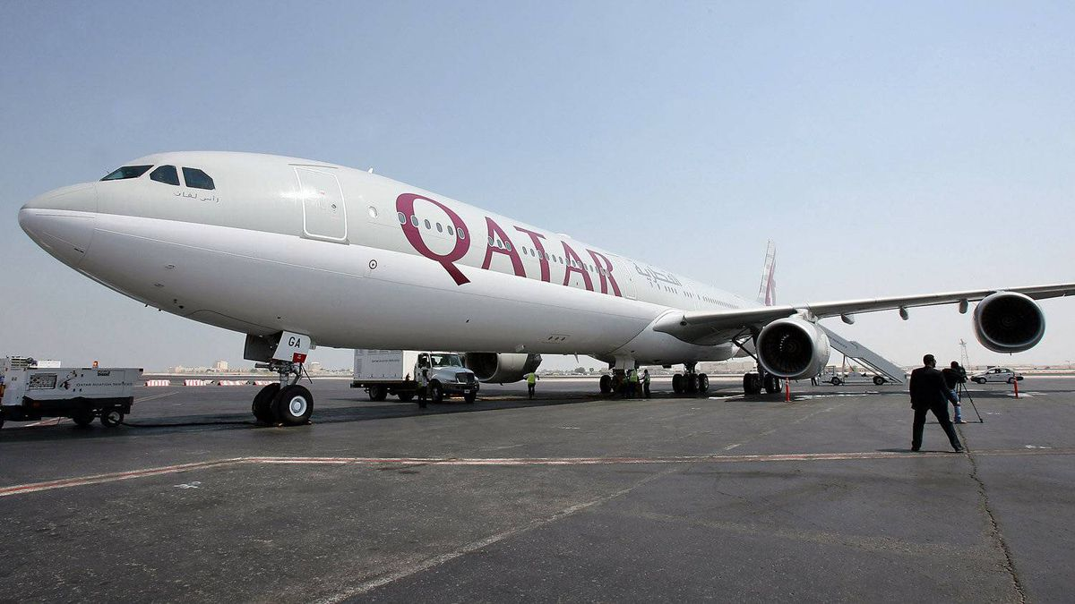 A new Qatar Airways Airbus A340-600 sits on the tarmac at Doha airport after arriving from Airbus headquarters in Tolouse, 11 September 2006.