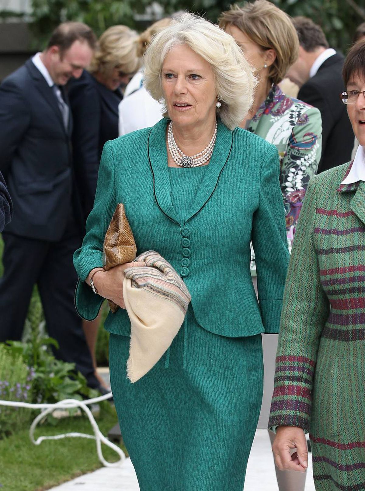 Camilla, Duchess of Cornwall visits the Chelsea Flower Show Press and VIP Day on May 23, 2011 in London, England.