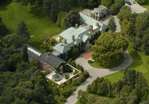 CRA stalls Conrad Black mansion sale with liens over unpaid taxes