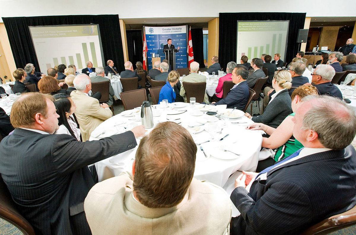 A luncheon crowd takes in remarks by Finance Minister Jim Flaherty at the Greater Victoria Chamber of Commerce on Sept. 10, 2009.