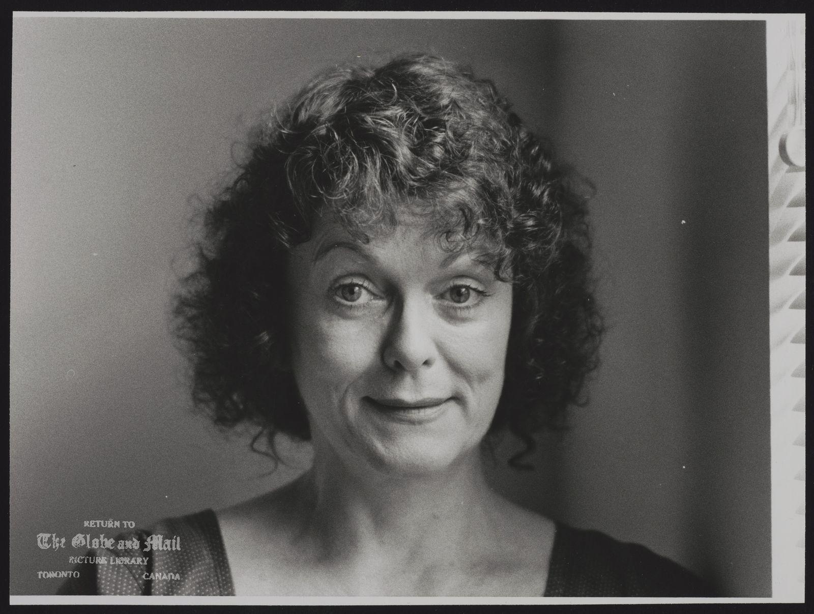 Shirley DOUGLAS Actress