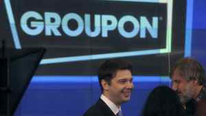 Groupon chief executive officer Andrew Mason, centre