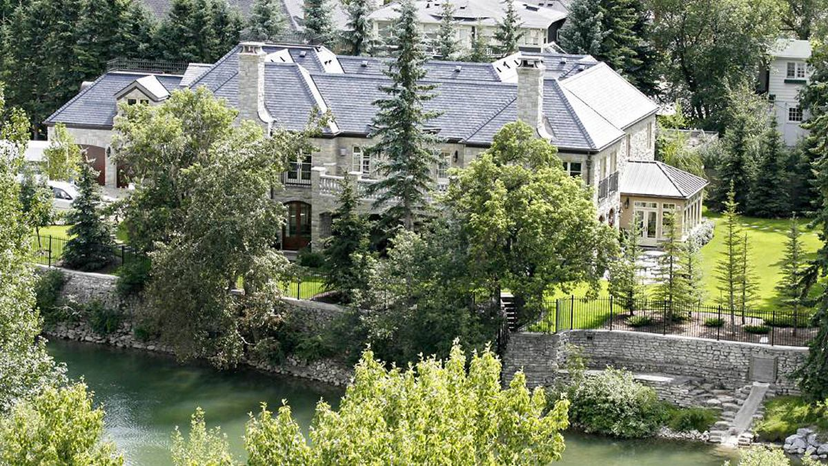 A Calgary home, which was owned by former Calgary Flames goaltender Mike Vernon, has sold for $10.3-million.