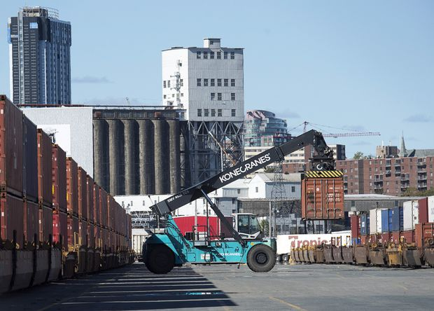 Canadian economy surprises with $762-million trade surplus in May