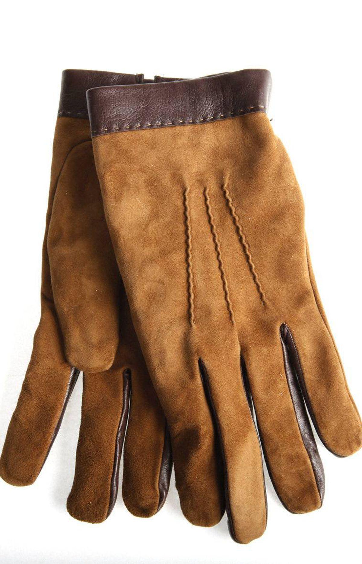 Camel gloves, $85 at Banana Republic (www.bananarepublic.com).