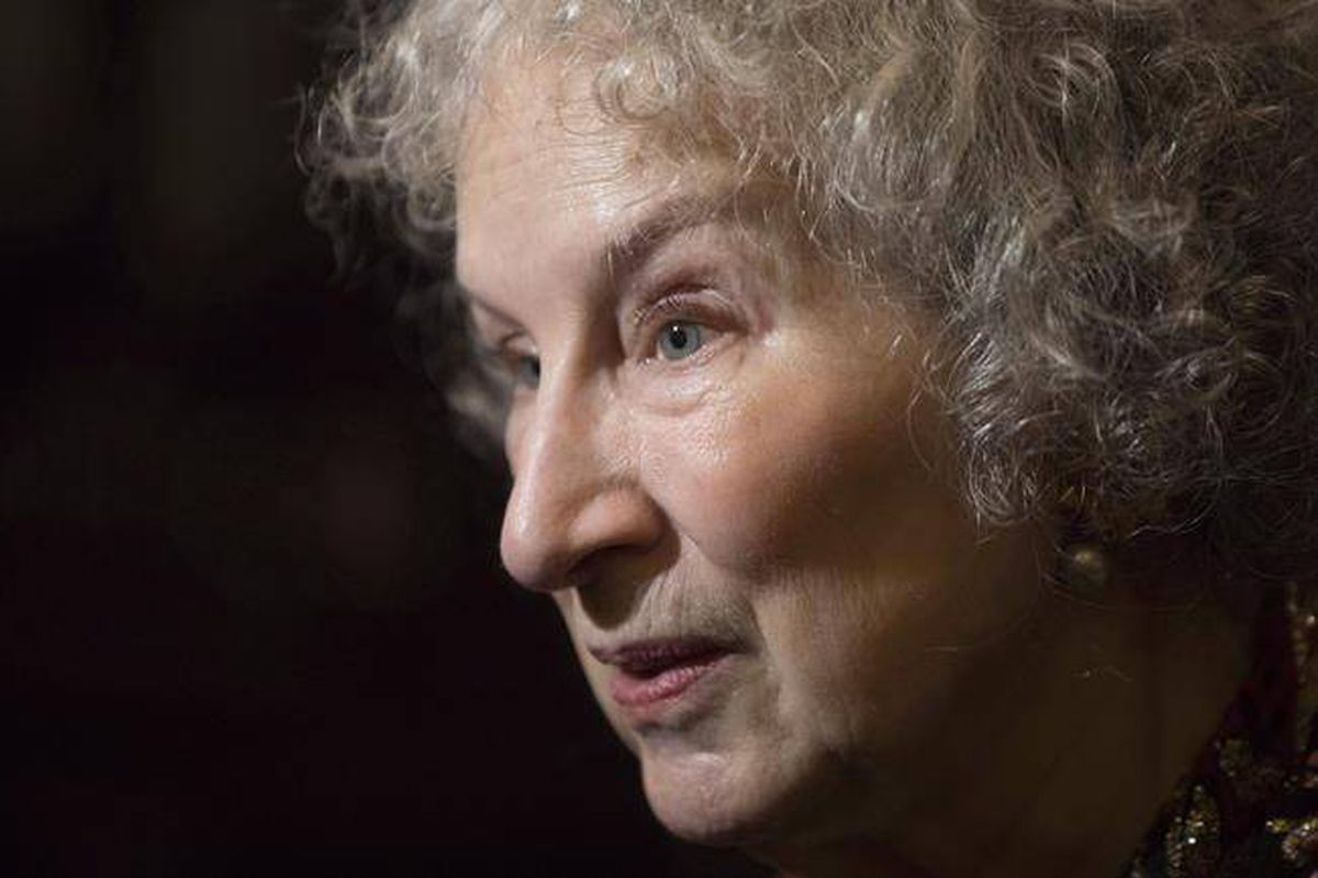 Margaret Atwood takes to Twitter to respond to criticism of