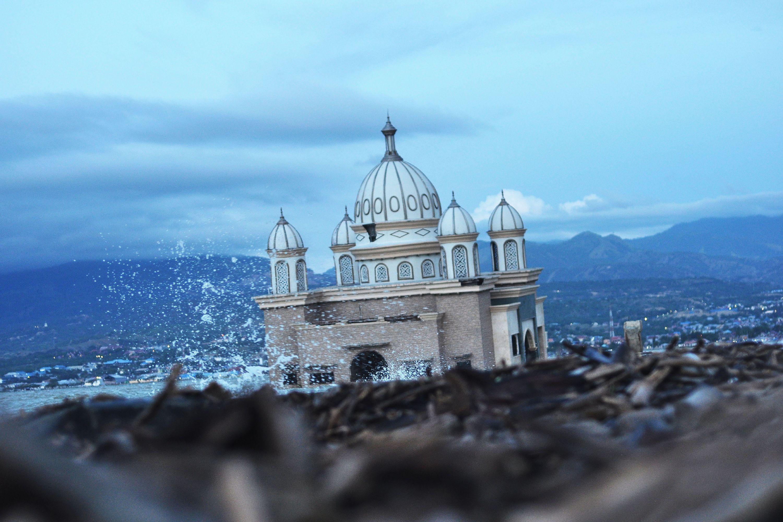 Indonesia lifts tsunami warning after magnitude 6 8 quake