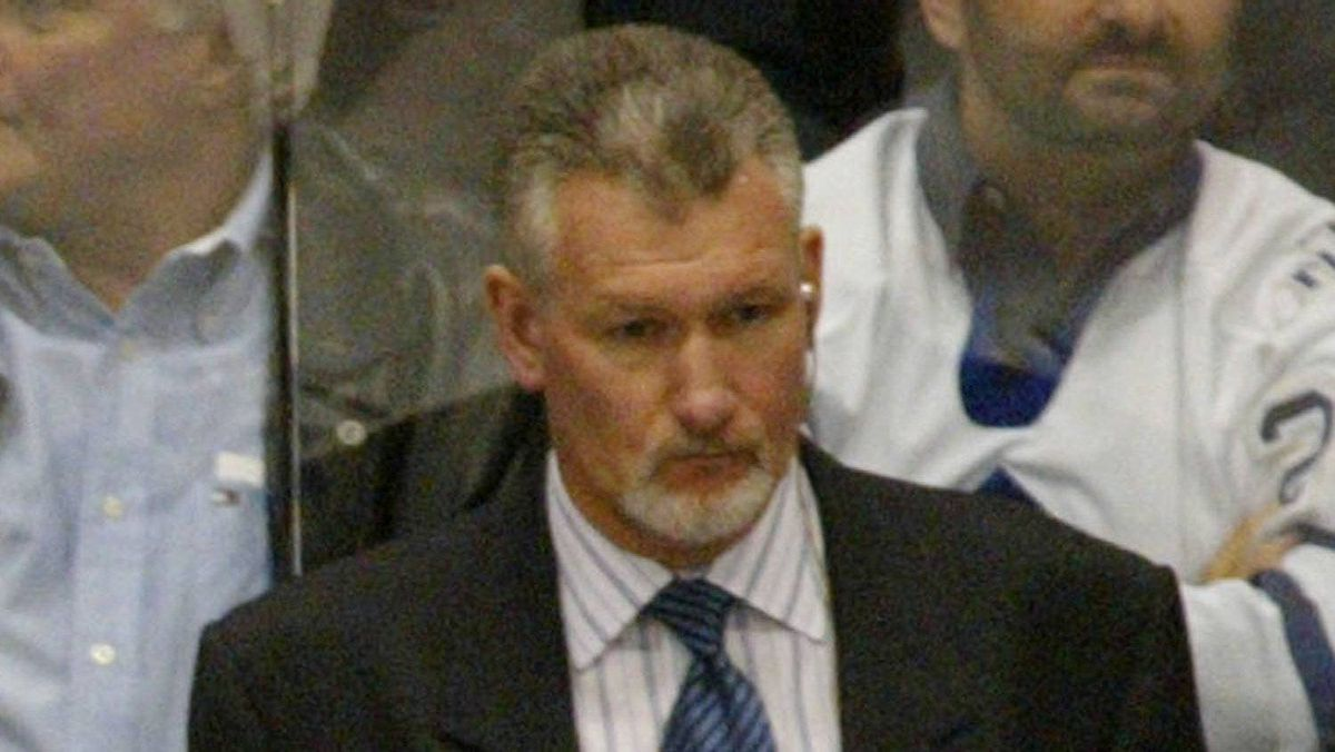 Perry Pearn pictured here when he was an assistant with the Ottawa Senators.