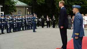 Prince William and his wife, Catherine, the Duchess of Cambridge arrive at Rideau Hall in Ottawa, Ontario as they kick-off their nine-day tour in Canada June 30, 2011.