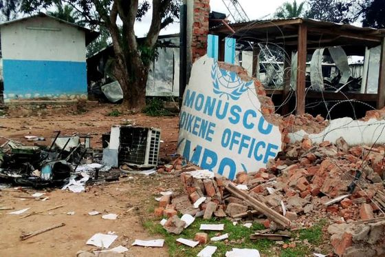 Ebola responders on lockdown amid growing unrest in Congolese city