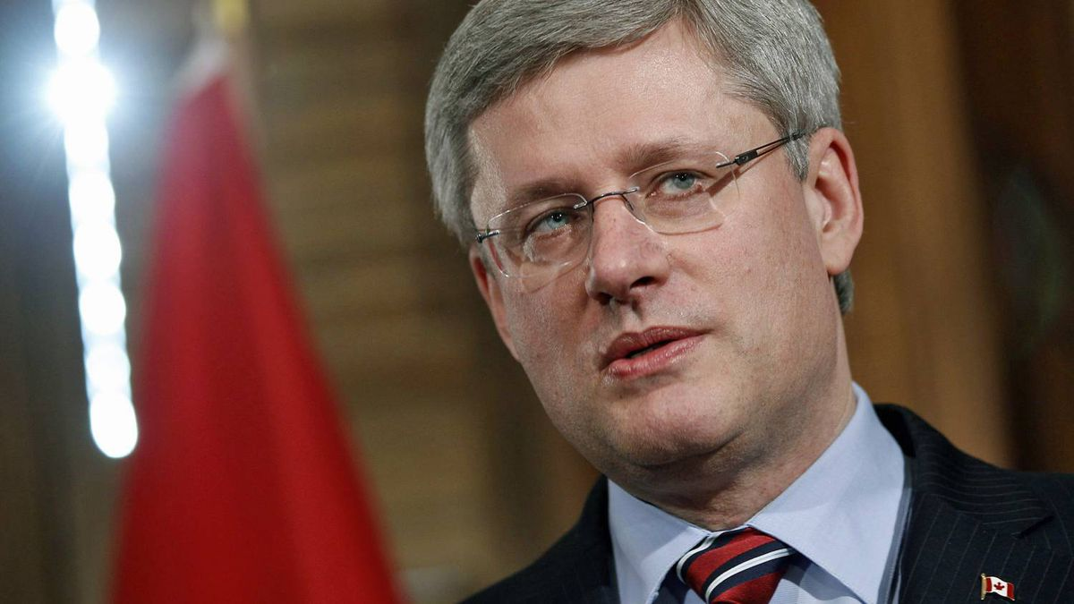 Prime Minister Stephen Harper holds a photo opportunity in his Ottawa office Feb. 15, 2011.