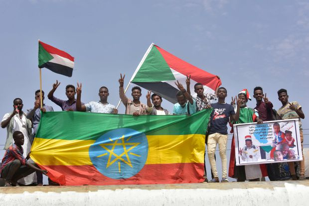 Sudanese protesters to sign transition deal with army