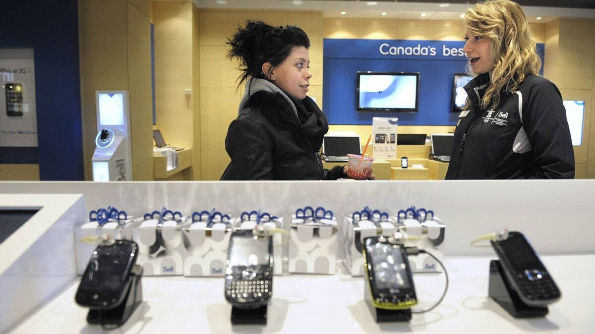 Communications consultant at a Bell Store at the Eaton Centre in 2009.