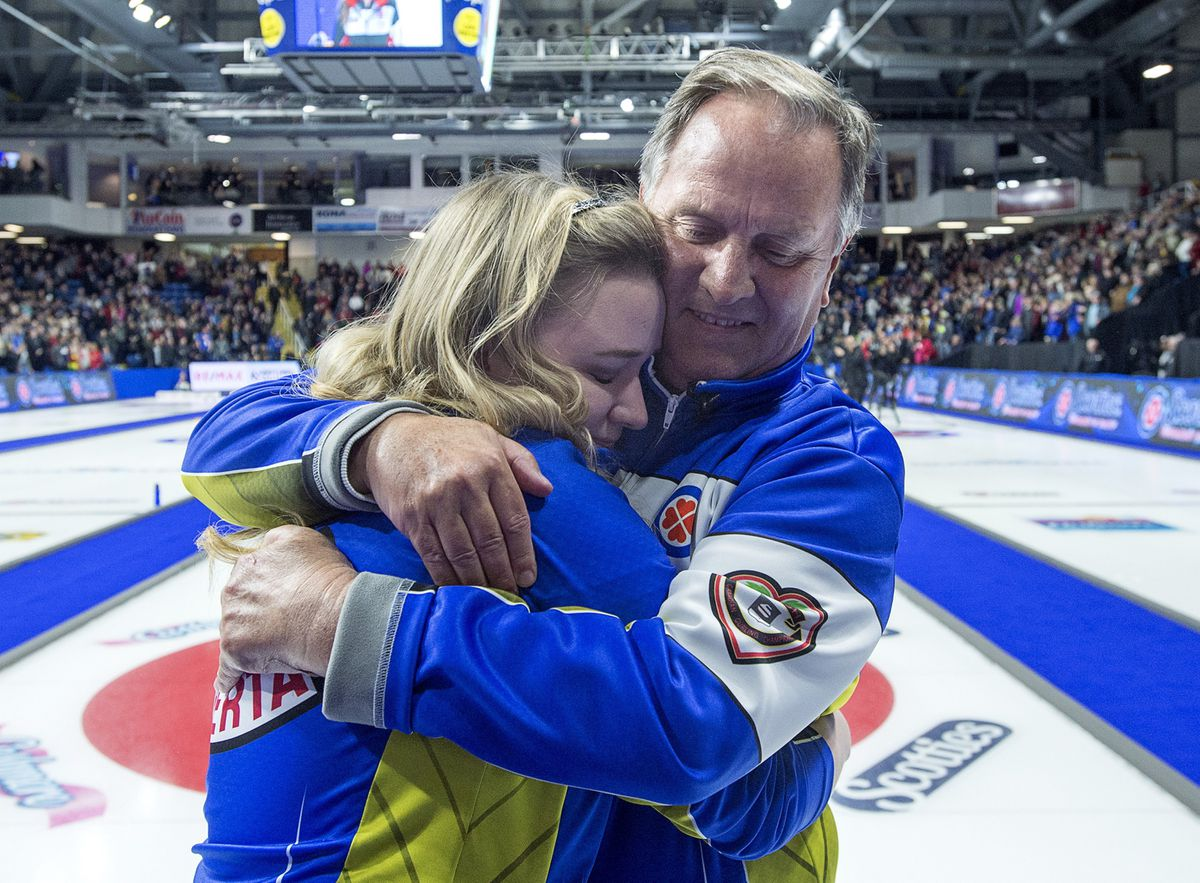 Chelsea Carey's father apologizes for telling Scotties ump to 'shut up'