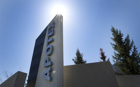 Apotex CEO quits, former boss takes over, as drug maker