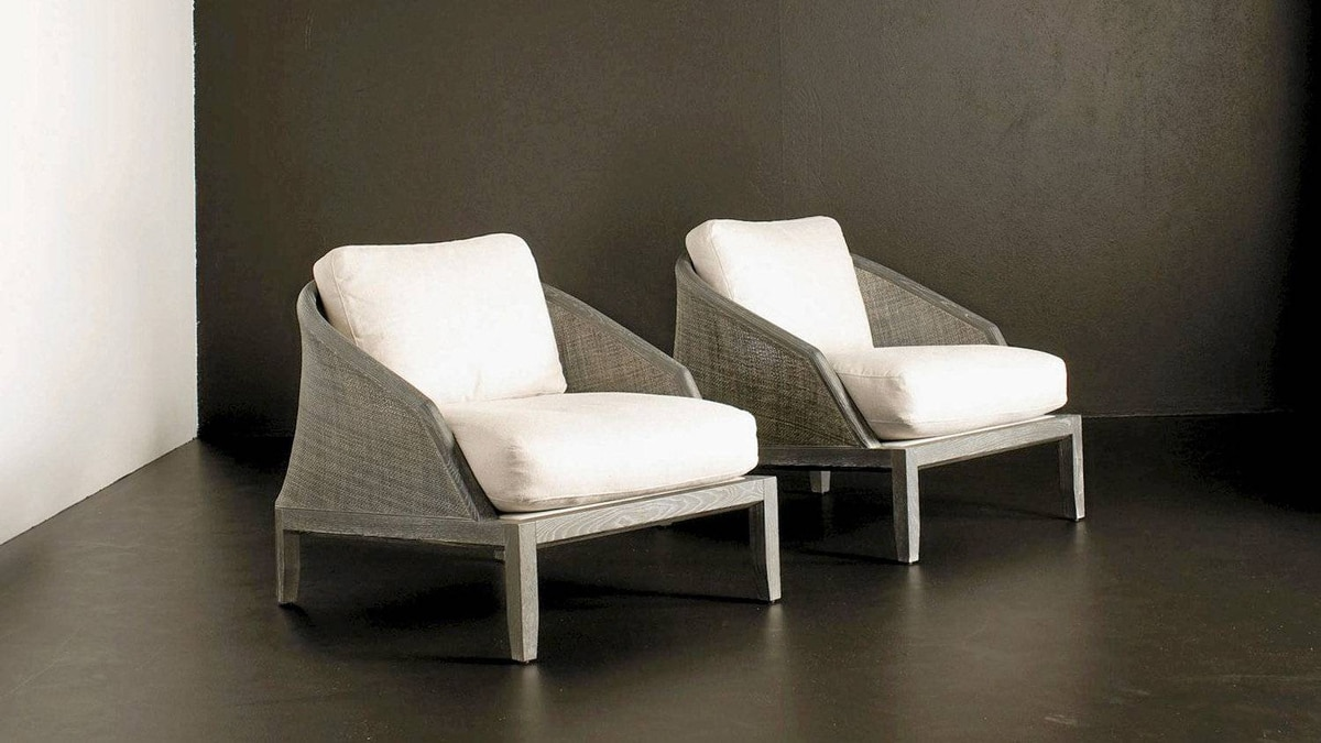 Grace armchair by Pottocco