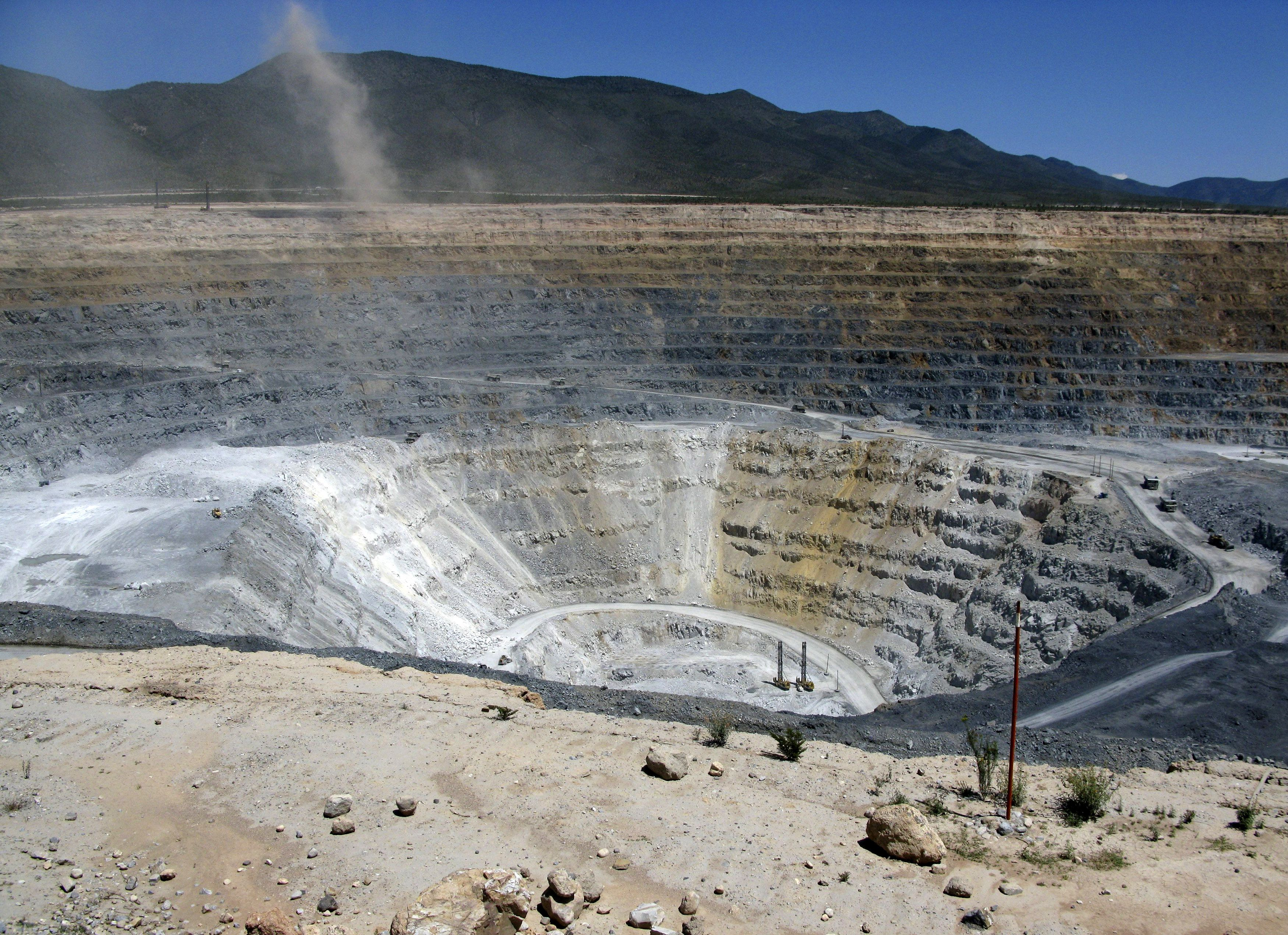 Newmont Goldcorp plans to temporarily shut Mexico gold mine due to blockade