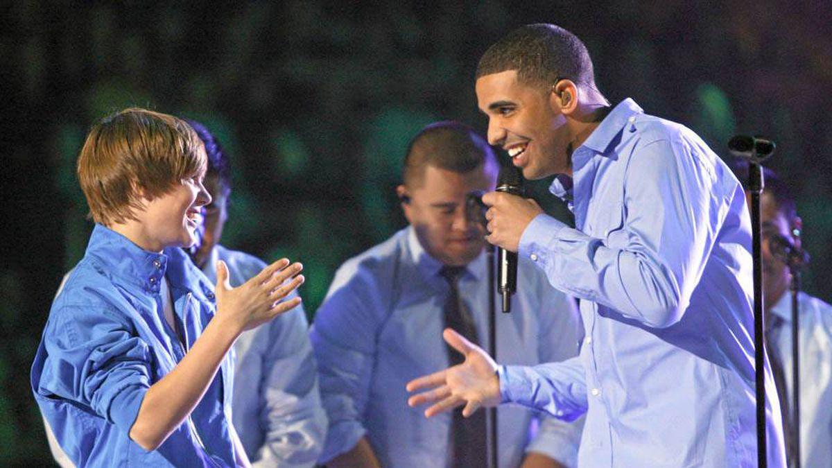 Justin Bieber and Drake during an inspiring duet in 2010.