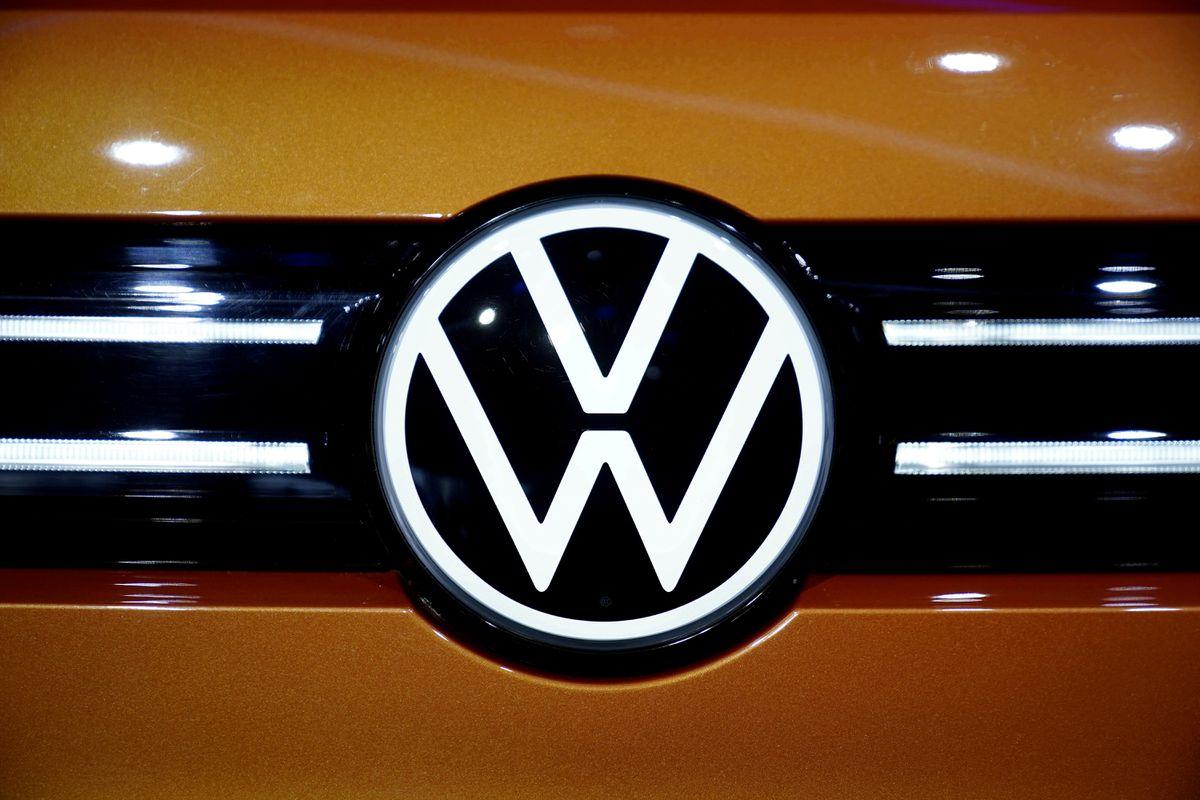 JPMorgan strikes deal for major stake in Volkswagen
