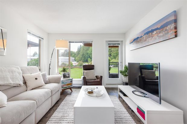 Buyers get New Westminster condo for below asking price
