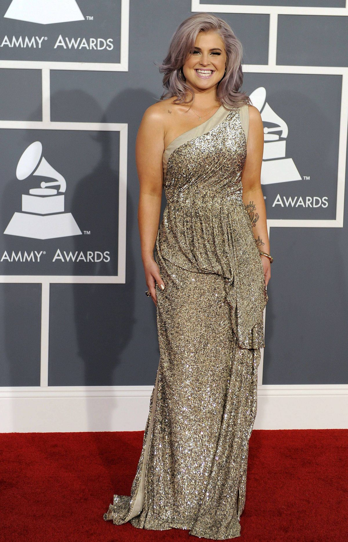 Kelly Osbourne arrives at the 54th annual GRAMMY Awards on Sunday, Feb. 12, 2012 in Los Angeles.