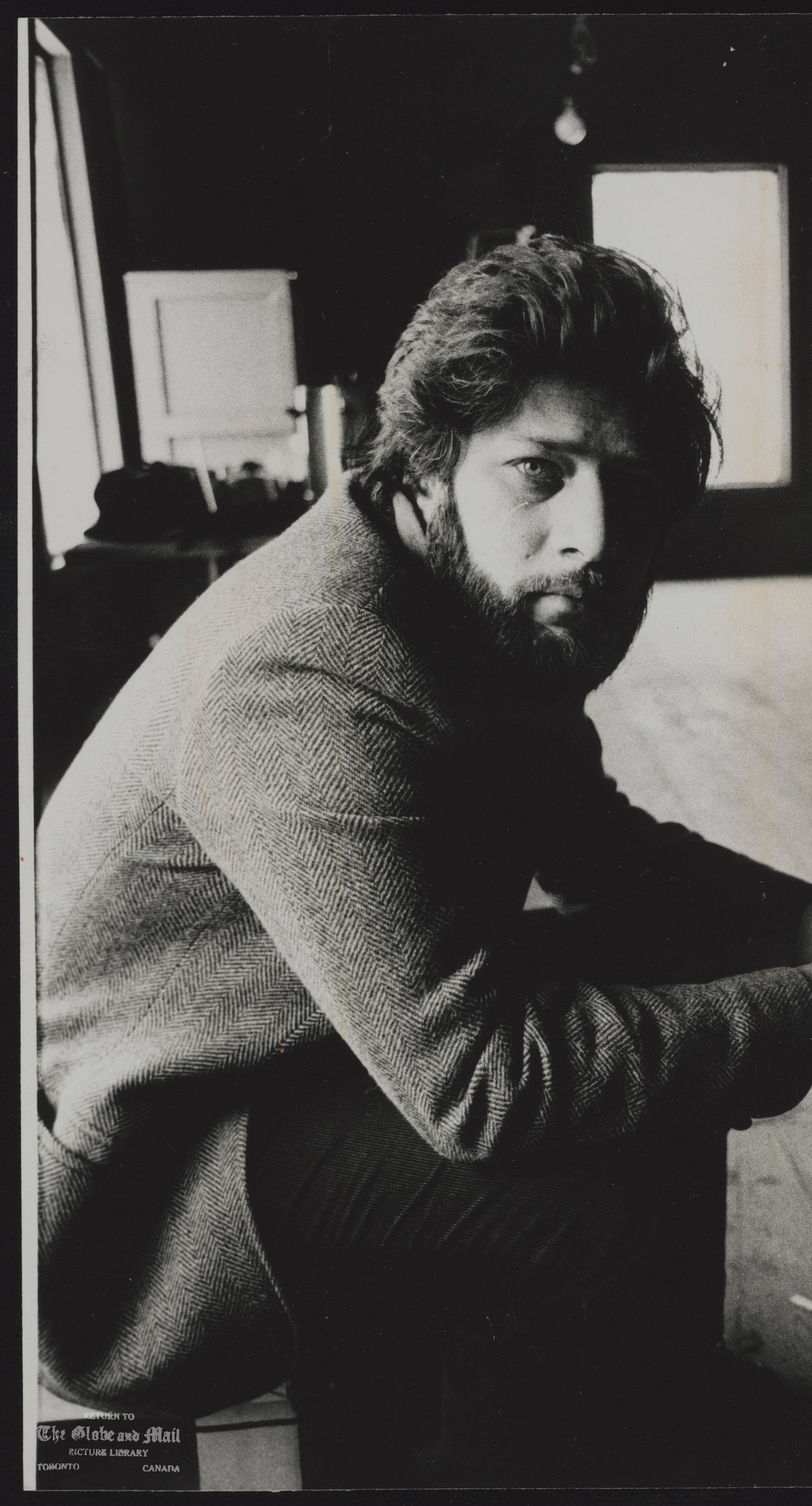 Michael ONDAATJE Writer 'From gunslingers to jazz musicians' Writer Michael Ondaatje has the courage of his obsessions.