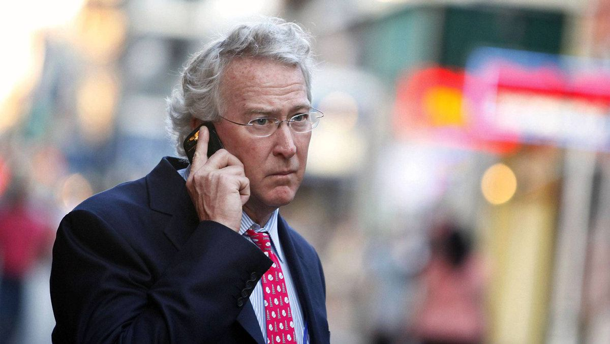 Chesapeake Energy Corp. CEO Aubrey McClendon uses his mobile phone as he walks through the French Quarter in New Orleans, Louisiana in this March 26, 2012, file photo.