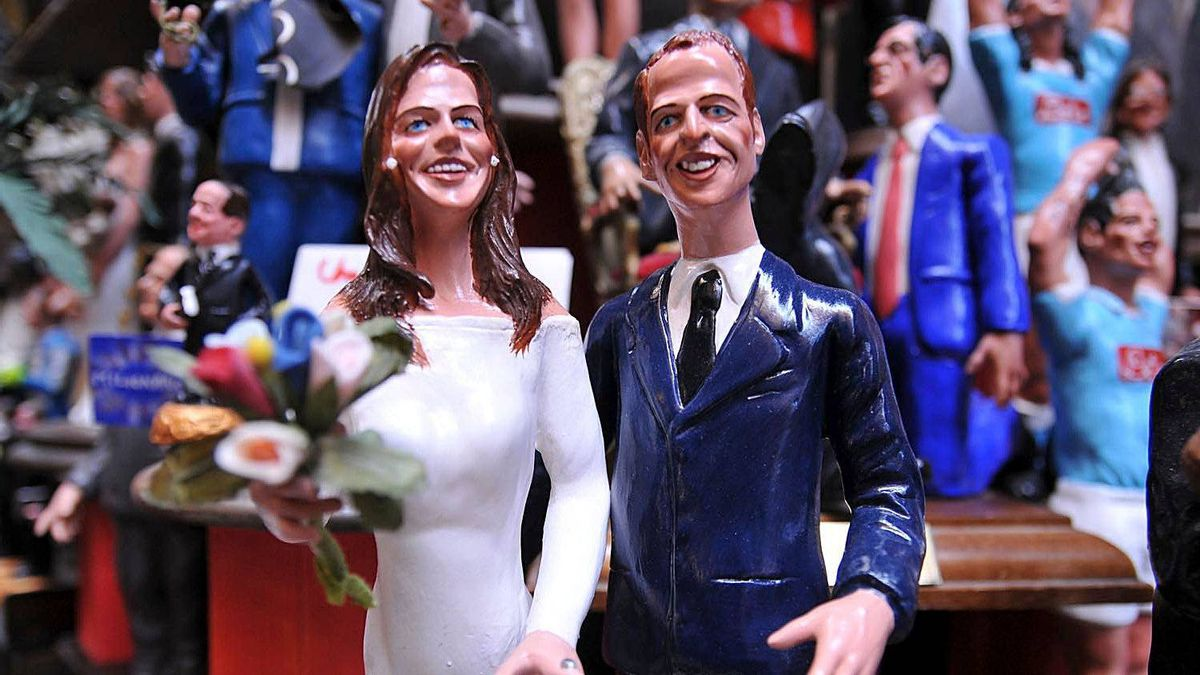 Figurines depicting the royal marriage of Prince William and Catherine Middleton created by the artisan Genny Di Virgilio at San Gregorio Armeno in Naples, Italy.