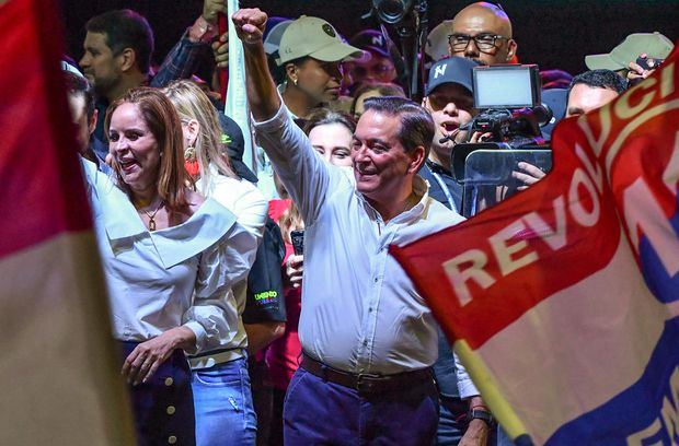 Roux rejects results of Panama presidential race